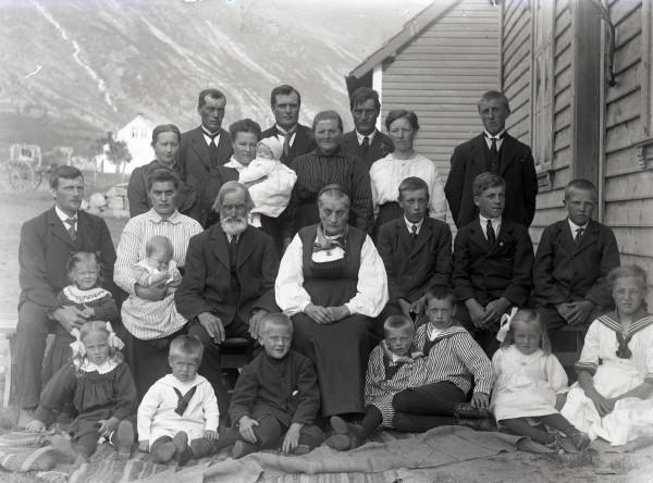 Gullbryllup i Larsatunet på Mehl i 1919