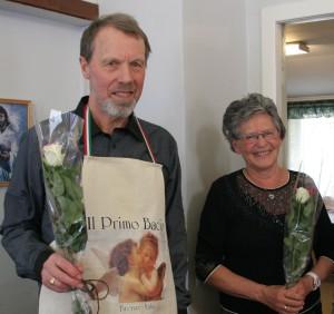 Kjøkensjefane Magnhild Alfarnes og Cort Holtermann fekk velfortent takk.